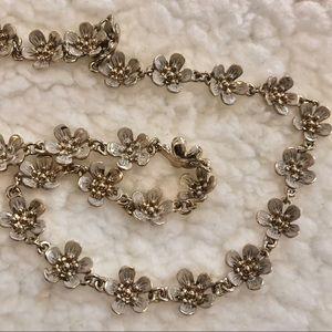 Banana Republic *NEW* floral necklace